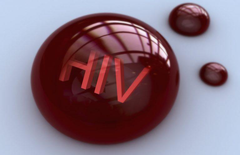 ویروس HIV و خون