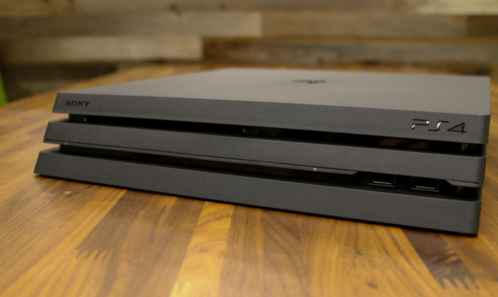 مقایسه PS4 Pro با PS4 و Xbox One