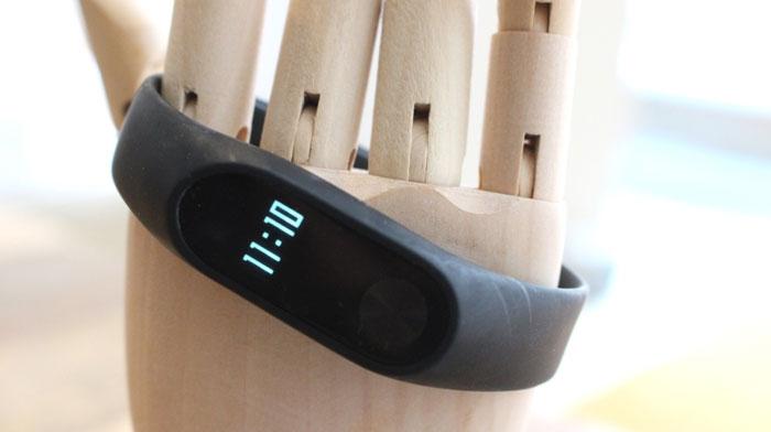 بررسی دستبند شیائومی Mi Band 2 : کامل، ارزان، بینظیر و قدرتمند