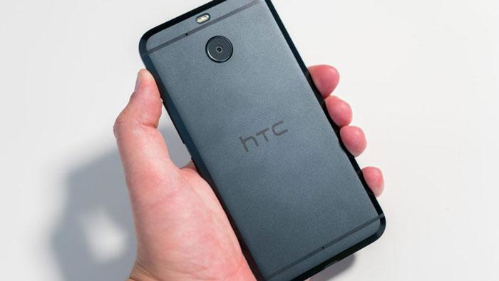 بررسی اچ تی سی بولت ( HTC Bolt): طراحی بینظیر، کمبودهای عجیب، عمر باتری ضعیف